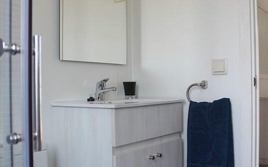 Saydo Manhattan Show Home Family Shower Room